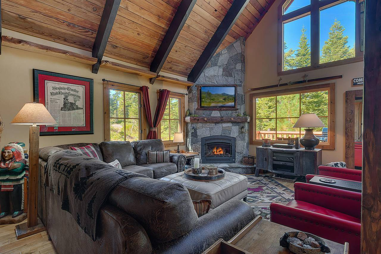 Lazy Bear's Lodge in Lake Tahoe