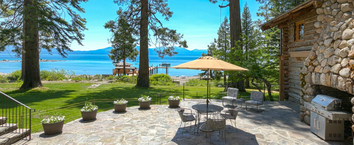 Lakefront vacation rentals in lake tahoe tahoe getaways for Rent a cabin in lake tahoe ca